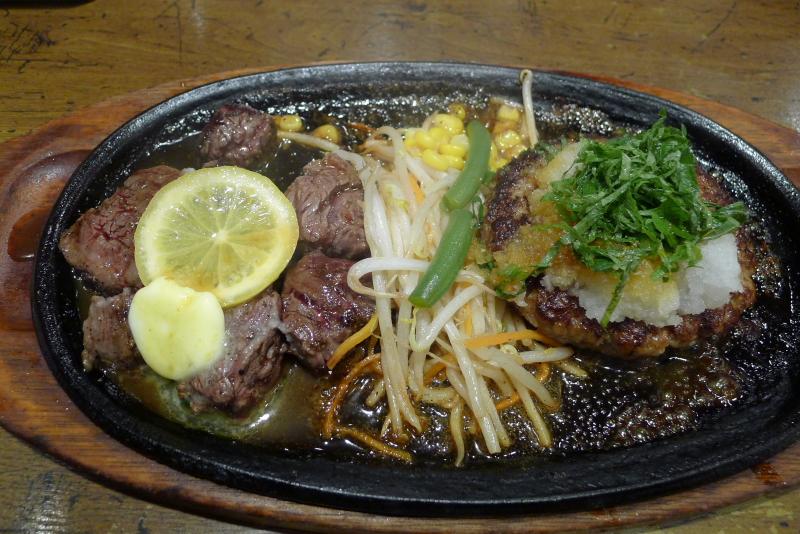 水道橋駅近くのステーキと焙煎カレーの店ふらんす亭のステーキとハンバーグ