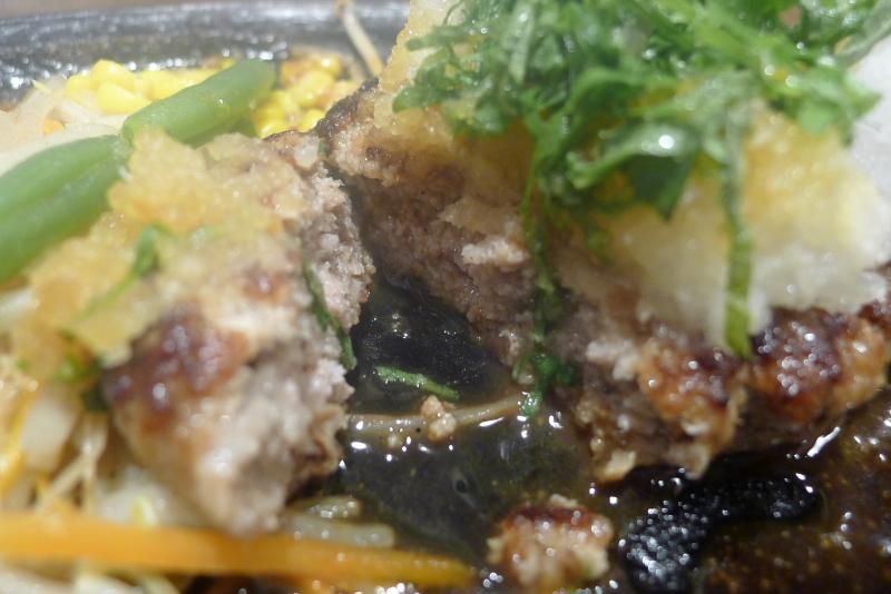 水道橋駅近くのステーキと焙煎カレーの店ふらんす亭のハンバーグ