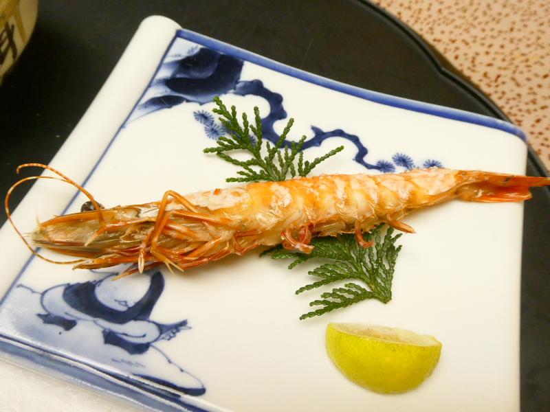下田野の花亭こむらさきの夕食 焼き物 海老の塩焼き