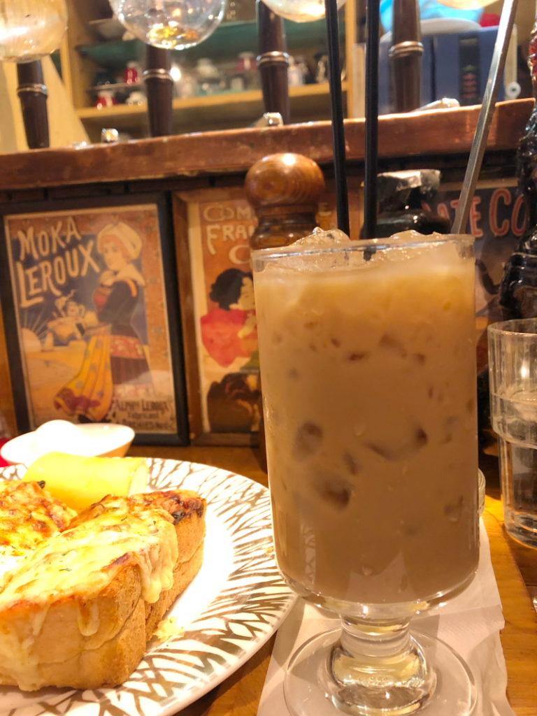 有楽町の紅鹿舎のアイス豆乳カフェオレ