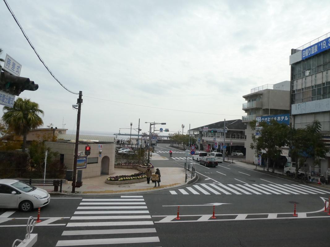 熱海_純喫茶サンバードの窓から見た景色